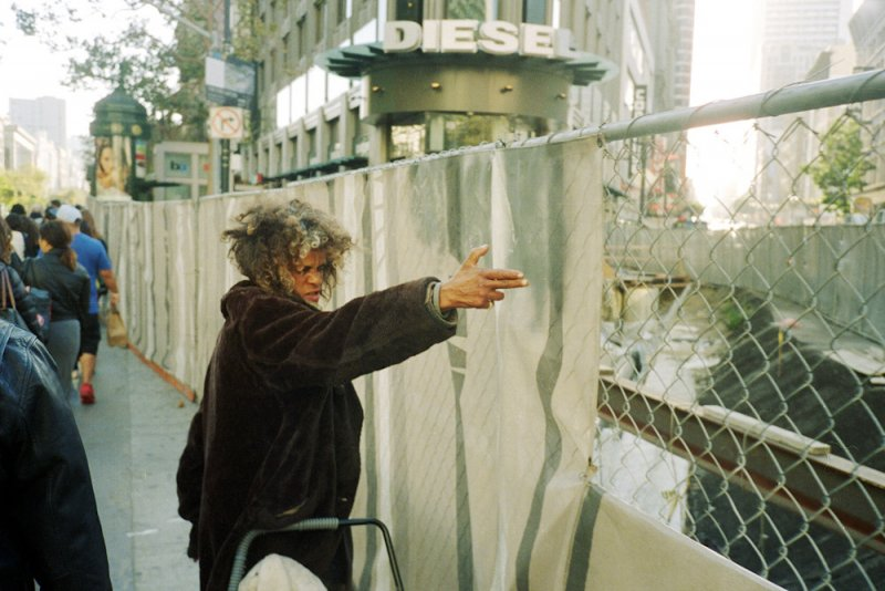 Городские причуды в снимках Троя Холдена - №16