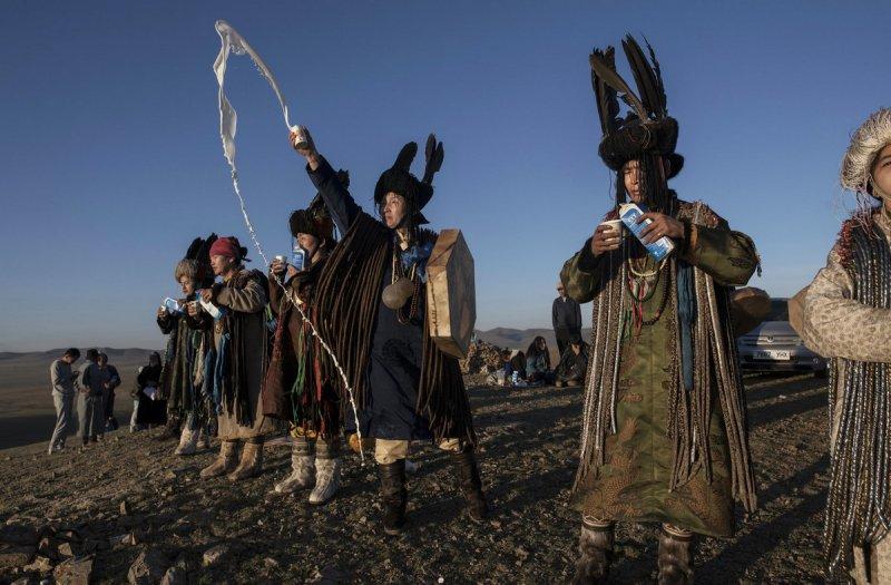 Фоторепортаж: шаманские ритуалы Монголии - №6