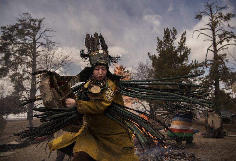Фоторепортаж: шаманские ритуалы Монголии - №8
