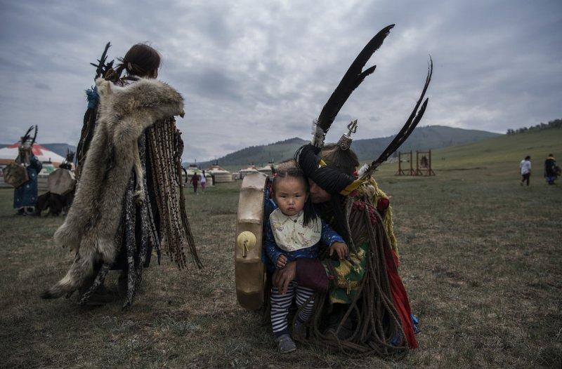 Фоторепортаж: шаманские ритуалы Монголии - №12