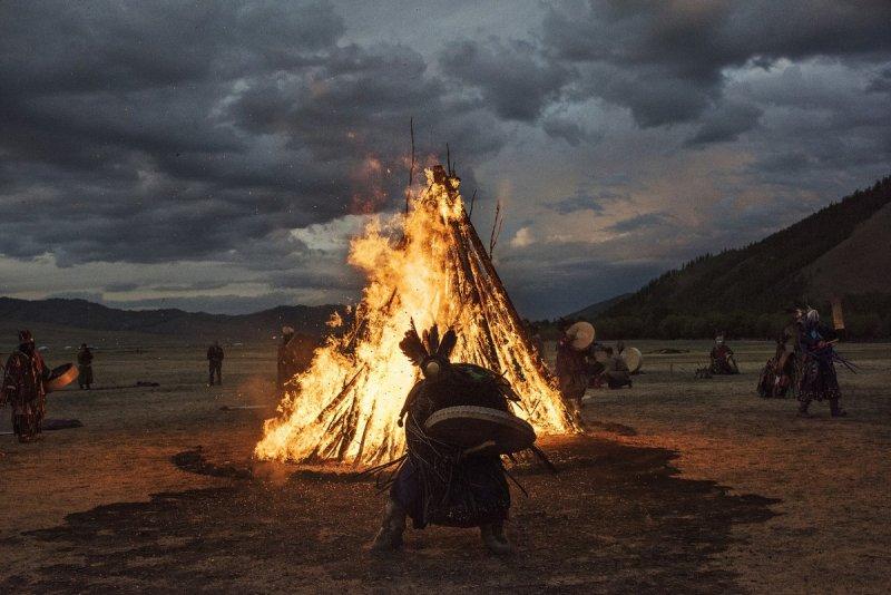 Фоторепортаж: шаманские ритуалы Монголии - №14