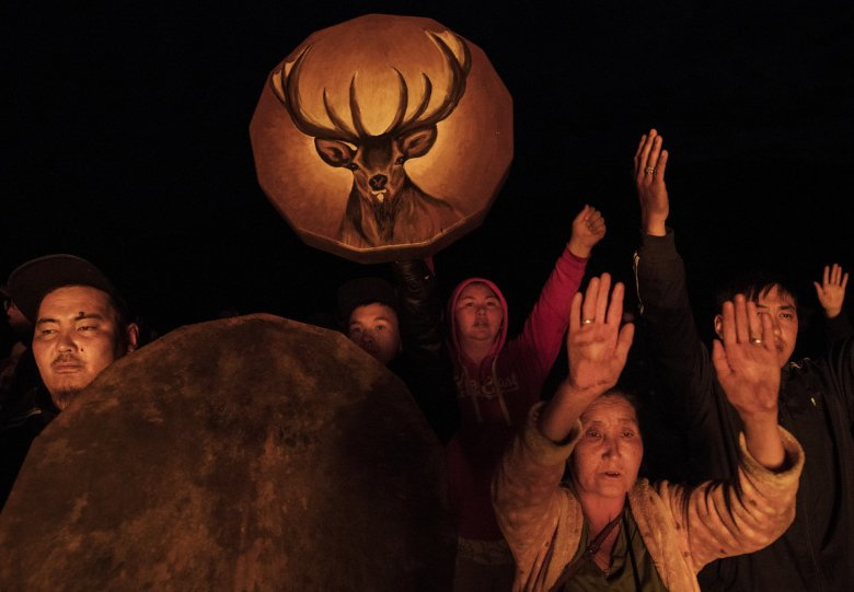 Фоторепортаж: шаманские ритуалы Монголии - №18