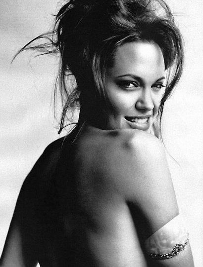 Красота знаменитых киноактрис в фотографиях Марио Тестино - №5