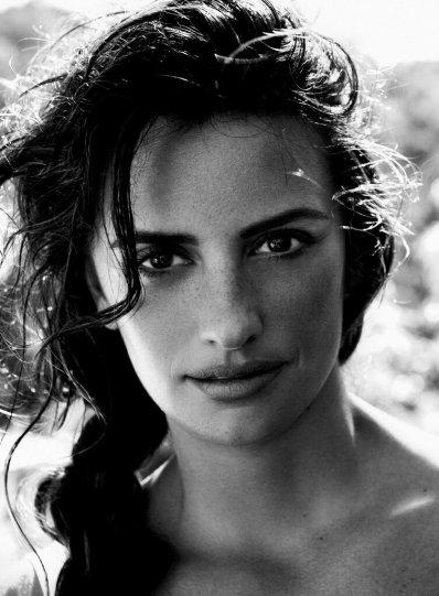 Красота знаменитых киноактрис в фотографиях Марио Тестино - №9