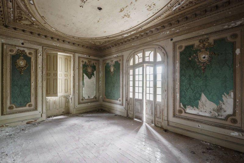 Заброшенные дворцы Европы - №11