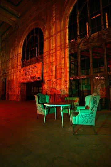 Ночные фотографии заброшенного Запада - №14