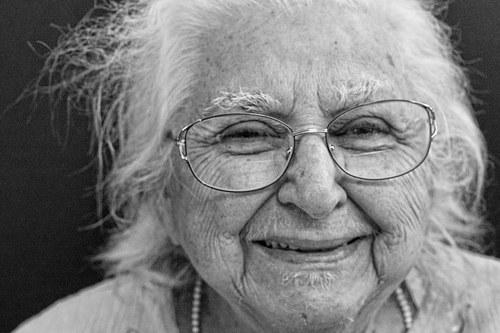Фото пожилых людей - №4