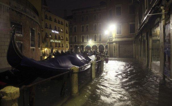 Reuters/Manuel Silvestri