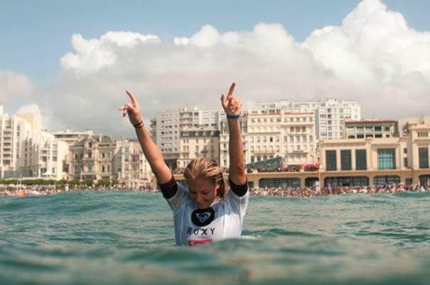 Итоги фестиваля женского серфинга Roxy PRO 2012. - №2