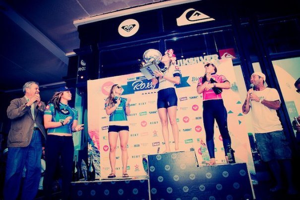 Итоги фестиваля женского серфинга Roxy PRO 2012. - №4