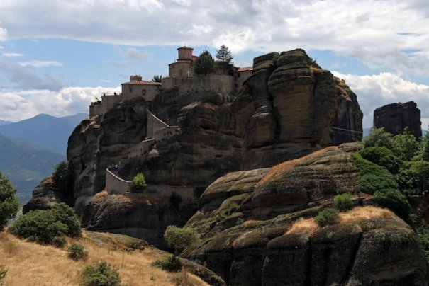 Метеоры - монастыри на отвесных скалах в Греции - №4