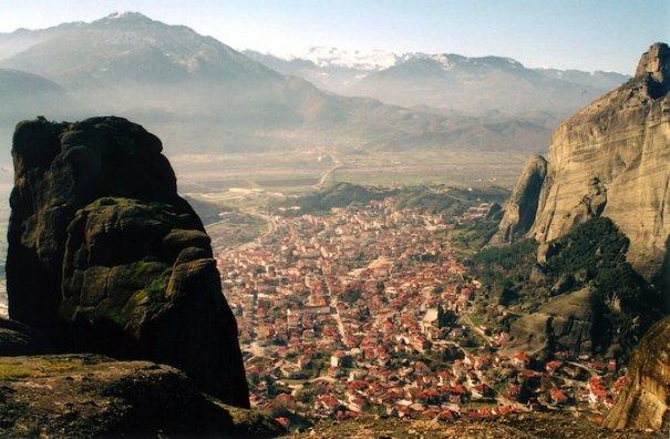Метеоры - монастыри на отвесных скалах в Греции - №9