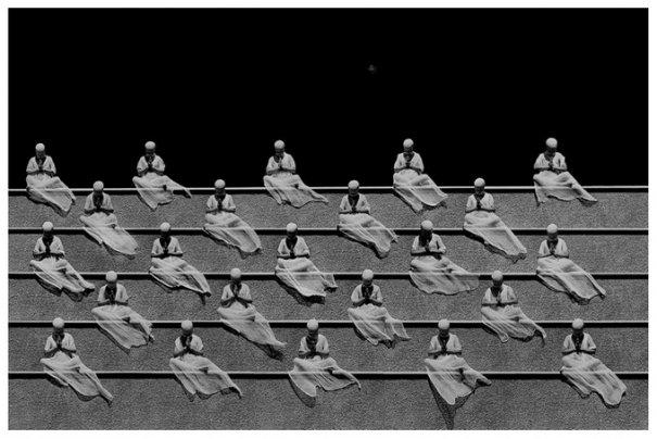 Концептуальные черно-белые фотографии Миши Гордина/Misha Gordin - №1