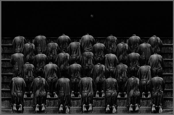 Концептуальные черно-белые фотографии Миши Гордина/Misha Gordin - №3