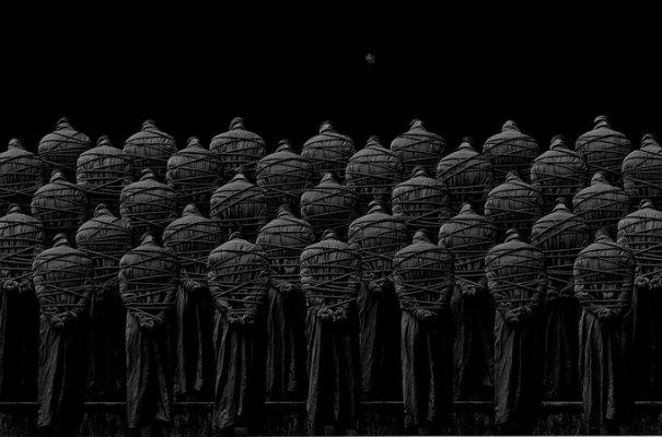 Концептуальные черно-белые фотографии Миши Гордина/Misha Gordin - №5