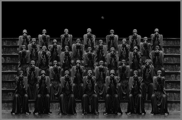 Концептуальные черно-белые фотографии Миши Гордина/Misha Gordin - №13