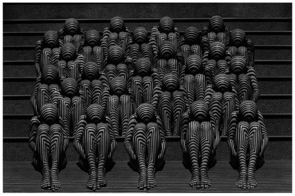 Концептуальные черно-белые фотографии Миши Гордина/Misha Gordin - №14