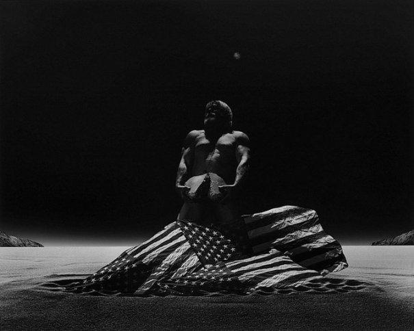 Концептуальные черно-белые фотографии Миши Гордина/Misha Gordin - №15