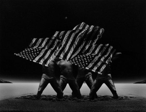 Концептуальные черно-белые фотографии Миши Гордина/Misha Gordin - №16