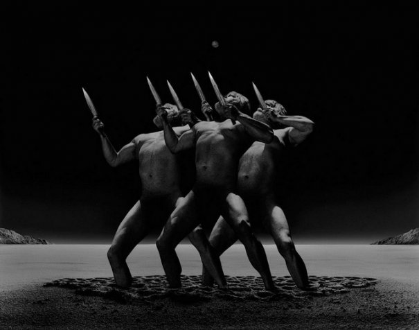 Концептуальные черно-белые фотографии Миши Гордина/Misha Gordin - №17