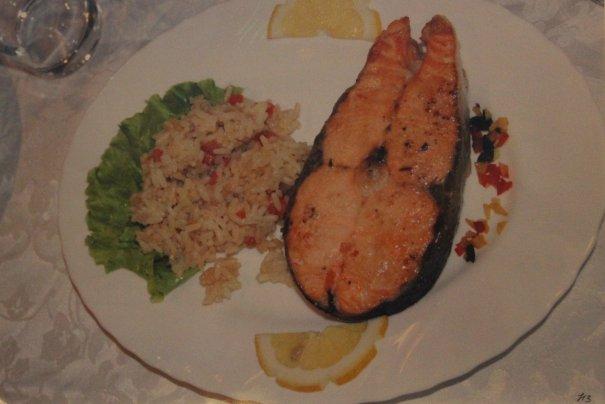 натюрморт рыба с рисом.