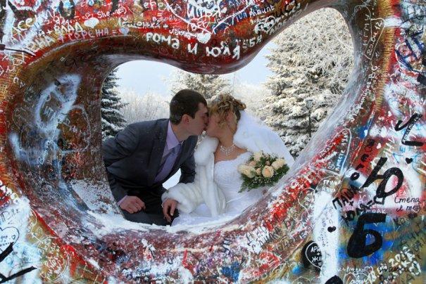 «Камень влюбленных» в Новосибирске — колоритный памятник
