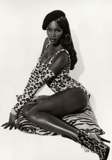 334d_naomi_seated_hollywood_1991_by_herb_ritts