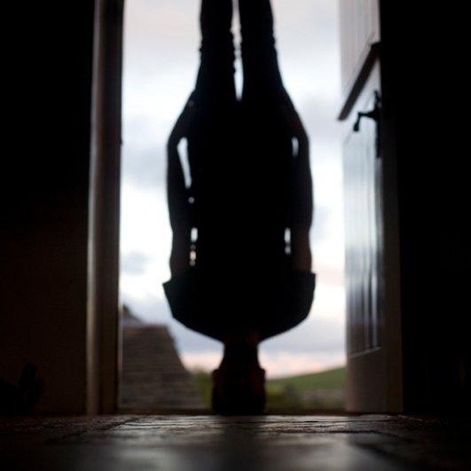 Автопортреты вверх ногами - Колтон Моррис/Caulton Morris - №15