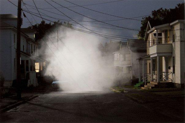 Загадочный мир в фотографиях. Мастер Грегори Крюдсон - №5