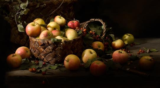 яблоки в корзине 4