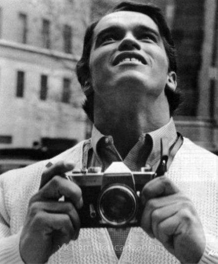 Знаменитые люди с фотоаппаратом в руках - №1