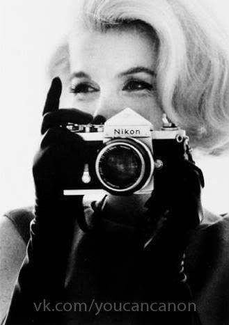 Знаменитые люди с фотоаппаратом в руках - №3