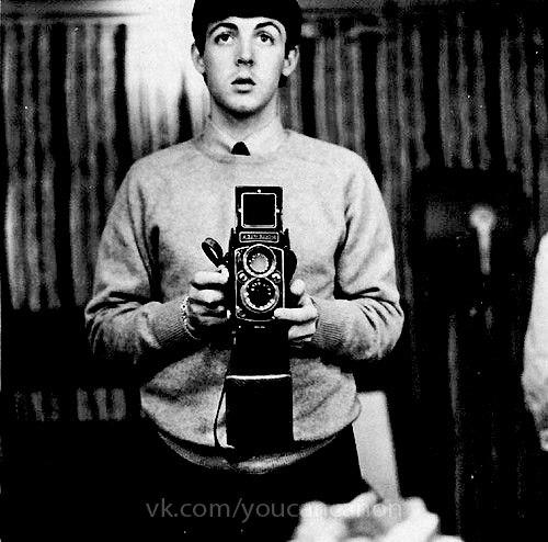 Знаменитые люди с фотоаппаратом в руках - №4