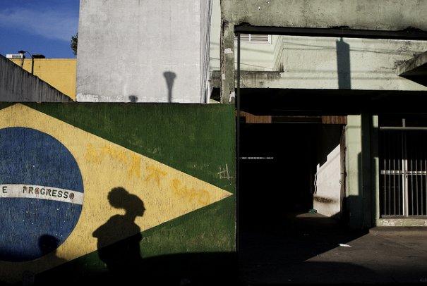 14 Gustavo Minas