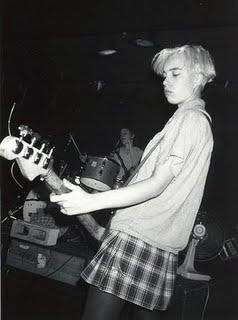 ТОП фото - 20 рок-див 90-х - №5