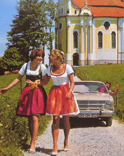 """Ретро фото привлекательных девушек и их """"железных коней"""" - №23"""