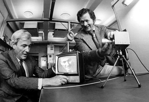 1 Виллард Бойл (слева) и Джордж Смит
