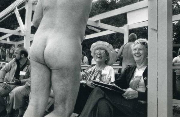 Мастер фотографии и тонкого фото юмора Эллиотт Эрвитт - №8