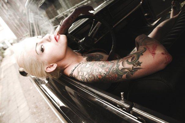 Мастер фотографии Dirk Behlau любит снимать красивые тату - №1