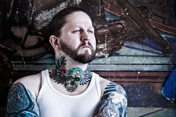 Мастер фотографии Dirk Behlau любит снимать красивые тату - №10