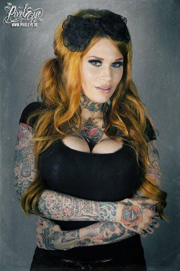 Мастер фотографии Dirk Behlau любит снимать красивые тату - №22