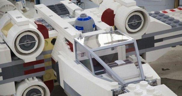 С помощью LEGO реально сделать многое, даже космический корабль - №2