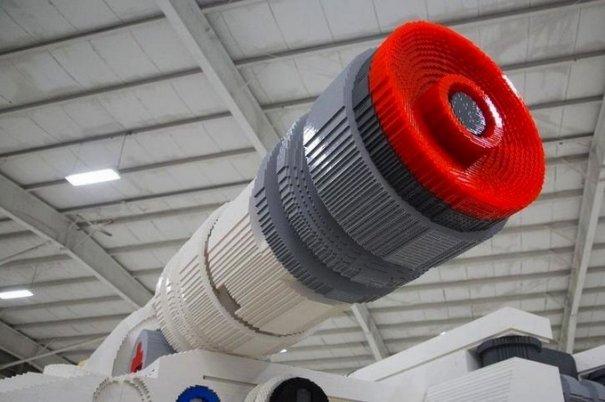 С помощью LEGO реально сделать многое, даже космический корабль - №9