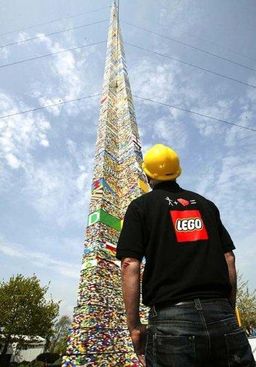 С помощью LEGO реально сделать многое, даже космический корабль - №14