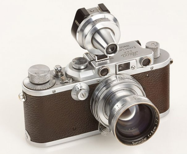 Фото камера Leica продана за $150 000 - №1