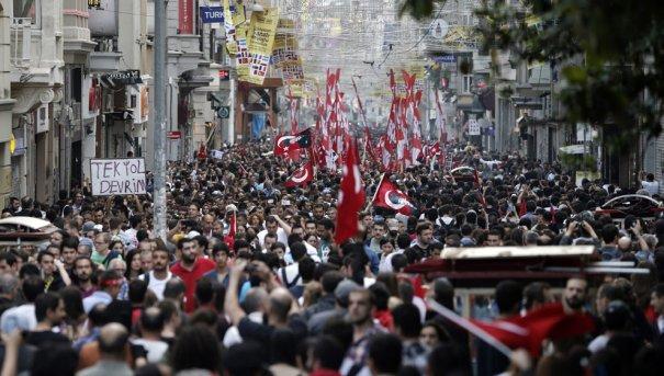 Новости в фотографиях - Массовые протесты в Турции - №7