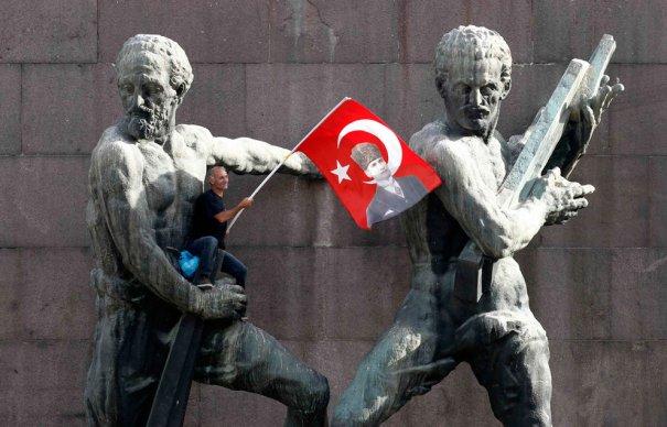 Новости в фотографиях - Массовые протесты в Турции - №15