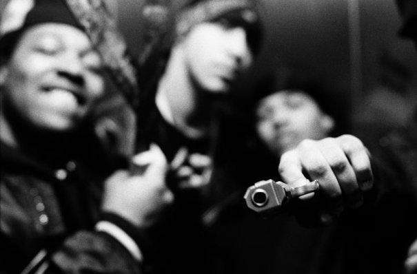 gun_bluryback