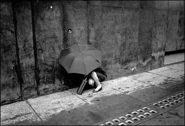 33 лучших примера черно-белых уличных фото - №1