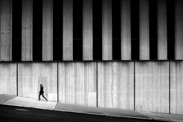 33 лучших примера черно-белых уличных фото - №3